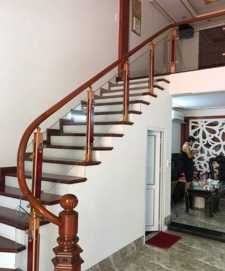 Cầu thang nhôm kính HP004