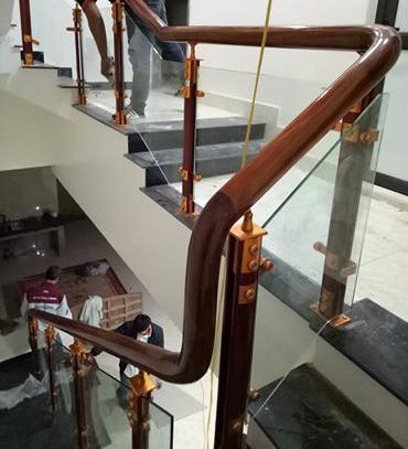 Cầu thang nhôm kính Juying 2026