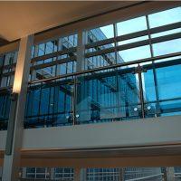 Lan can kính trung tâm thương mại BN08